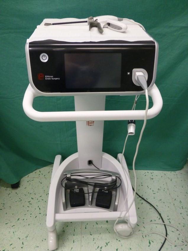 Multifunkční chirurgický přístroj Ethicon
