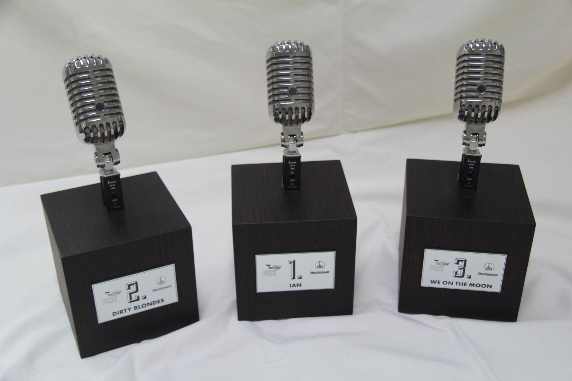 plaketa mikrofon