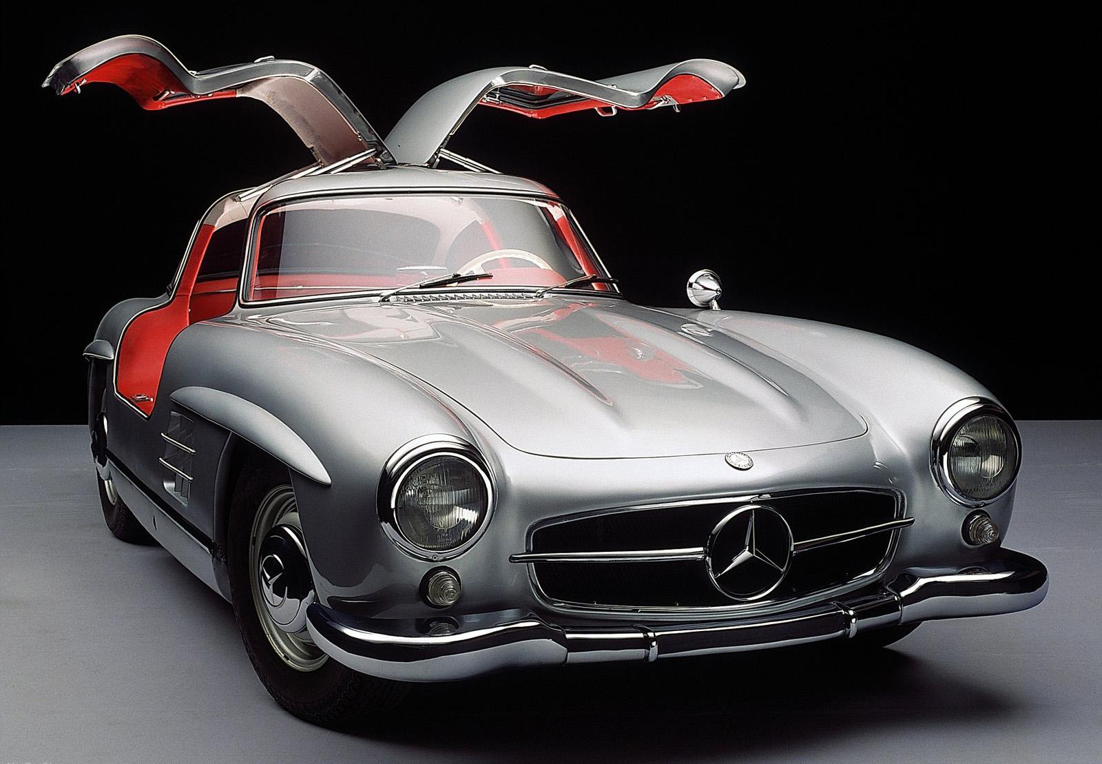 Unikátní historický automobil Mercedes SL300