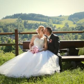 nevěsta s manželem