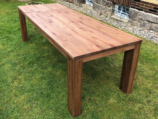 Masivní dubový rozkládací stůl