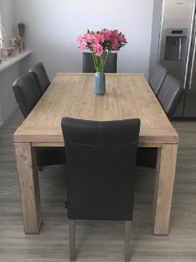 Masivní nerozkládací jídelní stůl 190 x 100 cm