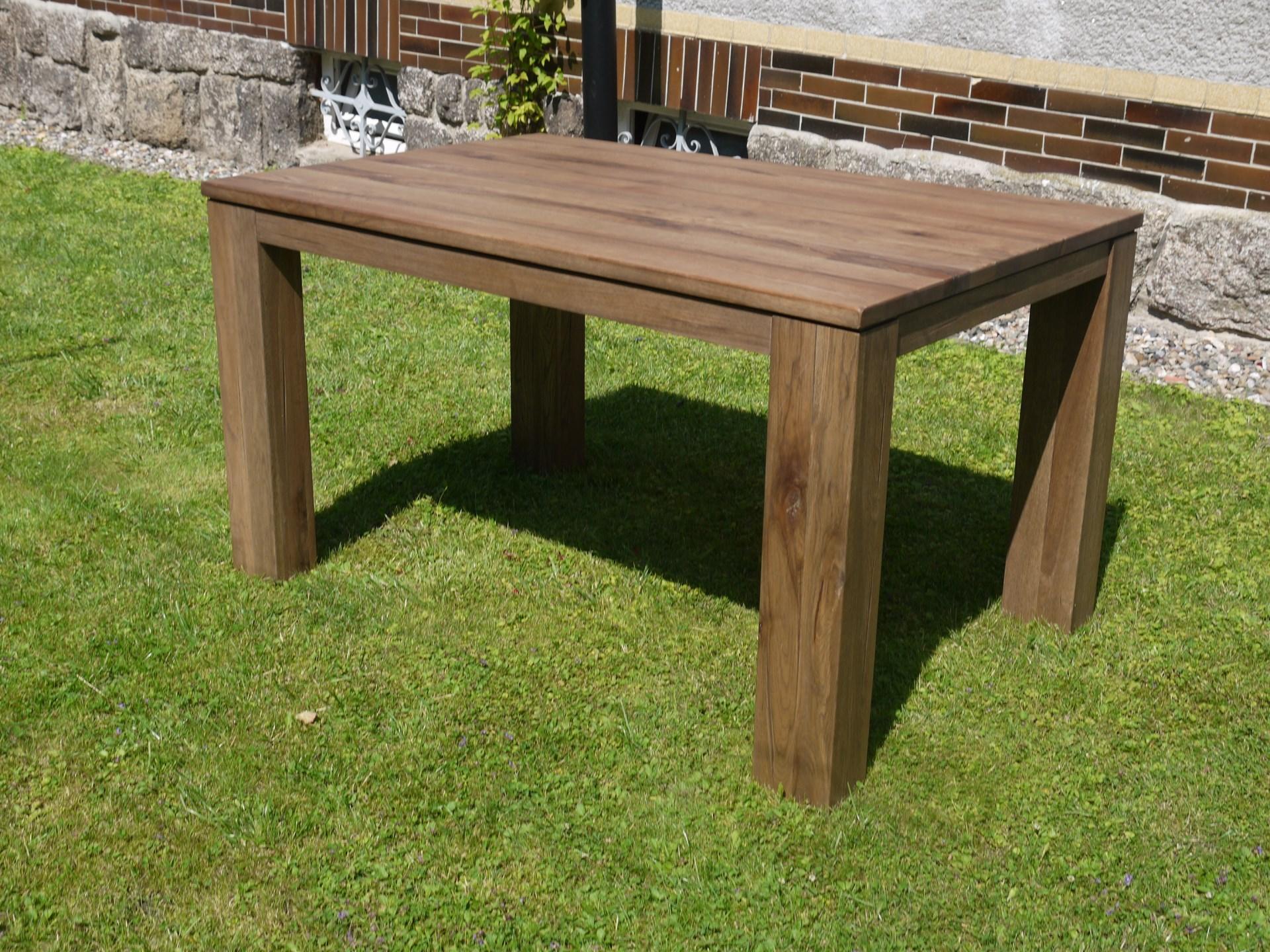 Dubový jídelní stůl 140x90cm