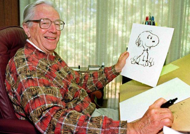 Na třetím místě máme tvůrce komiksu Peanuts Charlese Schulze se 40 miliony, většina z těchto peněz pochází z podílu na licenci tohoto populárního komiksu. V listopadu dorazil Charlie Brown, pejsek Snoopy a další protagonisté na filmové plátno v podobě 3D titulu Snoopy a Charles Brown. Peanuts ve filmu.
