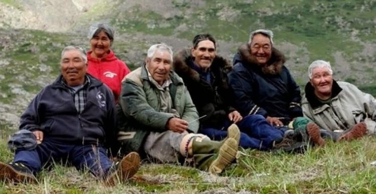 Americká vládní agentura NASA obdržela nové varování ohledně klimatických změn. Tentokrát přišlo od domorodých Inuitů. Ti prohlašují, že změny klimatu nejsou způsobeny globálním oteplováním, jak se všeobecně tvrdí, ale posuny Země.