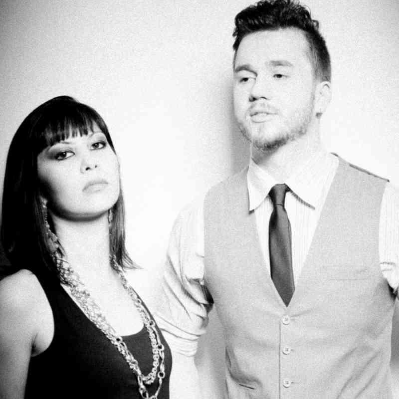 """"""""""" Další velká věc """"v hudbě je tady. Jsou to dynamické duo z Brazílie s vášní pro muzicírování, že je kouzelné. A oni to může re-vynalézt způsob, rock / pop music se přehraje. Overdriver je Evandro Tiburski (28) a Fabi Terada (26) a mají """"to"""". mají """"wow"""" faktor všemi myslitelnými způsoby."""