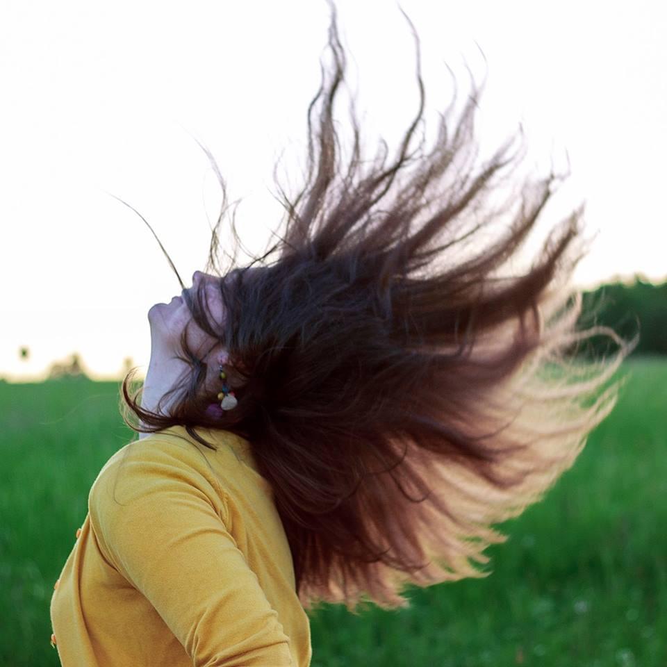 Regresní terapie & automatická kresba. Hlubinná abreaktivní psychoterapie (někdy regresní terapie nebo regrese) je účinná metoda pro zpracování fyzických (bolest zad, bolest hlavy, úrazy, operace), psychických (deprese, fobie, strach, úzkosti, problémy se spánkem), ale i vztahových (nešťastná láska, tchyně, nevěra) problémů a traumat. Regrese. Regresní terapie Praha. Minulé životy. Regrese Praha. Abreakce. Aberace. Zúžené vědomí. Terapie. Šárka Janouchová. Regrese zkušenosti. Minulé životy regrese.