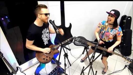 """"""" Další velká věc """"v hudbě je tady. Jsou to dynamické duo z Brazílie s vášní pro muzicírování, že je kouzelné. A oni to může re-vynalézt způsob, rock / pop music se přehraje. Overdriver je Evandro Tiburski (28) a Fabi Terada (26)"""