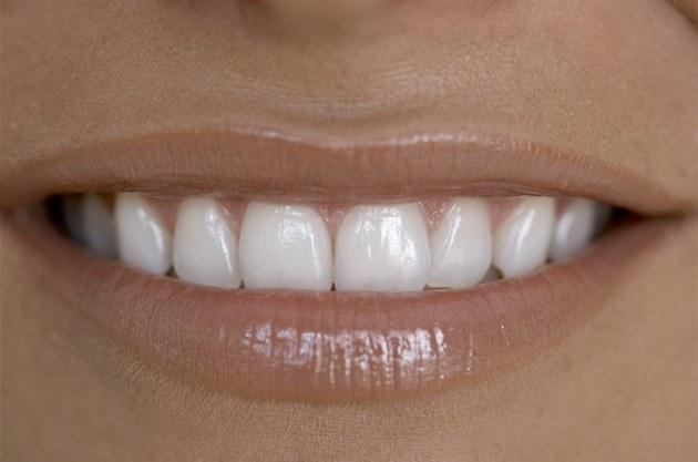 Zapomeňte na plomby, raději si regenerujte zuby