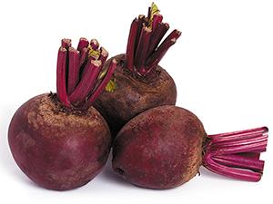 Mezi hlavní léčivé účinky této zeleniny patří podpora imunitního systému, regenerace organismu, podpora růstu tkání, dále má pozitivní vliv na těhotenství a kardiovaskulární systém; používá se také jako prevence a při léčbě rakoviny. Červená řepa má však spoustu dalších účinků na lidské zdraví.