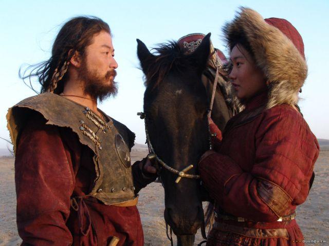 Čingischán byl nejen největším válečníkem všech dob, ale také zřejmě nejlepším milencem. Před 700 roky se mu podařilo dobýt polovinu světa a zbytek se ho bál. Měl mnoho přezdívek – Dobyvatel, Ničitel, Dokonalý válečník nebo Bič boží. Ale zasloužil by i jinou – Nejlepší milenec všech dob.