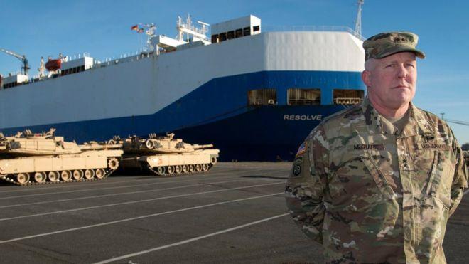 Americká vojenská technika dorazila do Německa, odtud se přesune k ruským hranicím