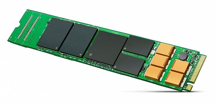 """Moduly také obsahují záložní kondenzátory pro bezpečné vypnutí při výpadku napájení, což opět značí, že nejde o SSD pro běžná PC. A také od nich existuje i verze XF1440 v provedení U.2 s 2,5"""" pouzdrem, které je zatím hlavně věcí serverů a v PC se až na výjimky neukazuje."""