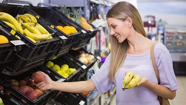 I jídla, která považujeme za zdravá, mohou našemu organismu škodit. A v některých případech, jak varuje server wmnlife, mohou dokonce způsobovat i rakovinu. Proto je vhodné nejen číst etikety potravin, ale řídit se jak selským rozumem, tak se zajímat o původ toho, co si vlastně na talíř dáváme.