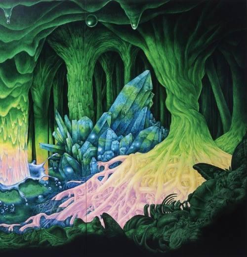 Krystaly vznikají chemickýma reakcema Kořenů Stromů a Půdy...!!! Všechny pradávný gigantický stromy, který byly zničený Potopou, a zbytek odřezanej obrovskejma mašinama předešlých civilizací- seděly na pláních drahejch kamenů a léčivejch krystalů... Stromy pomocí krystalů komunikujou, krystal je nejlepší Transmitor energií a komunikace... Příroda je propojená..