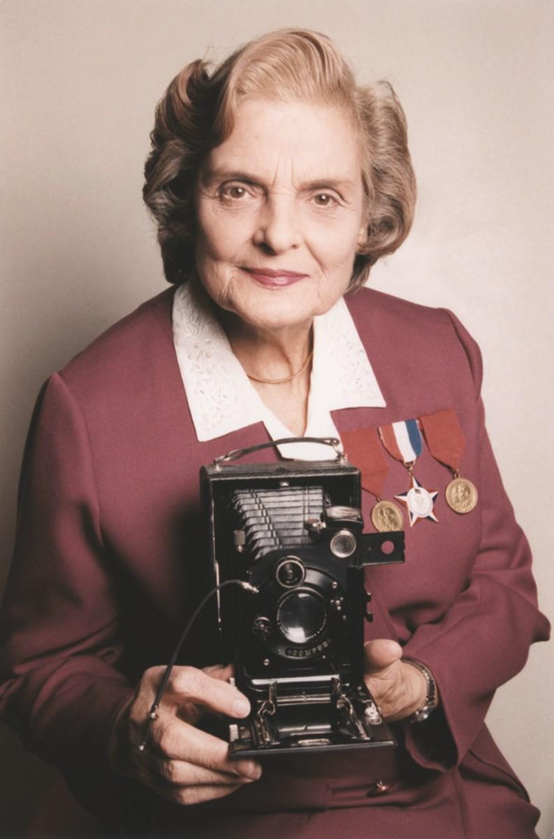 V roce 1948 emigrovala do Kanady, kde vychovala také dvě děti. Za své zásluhy byla oceněna kanadskou, americkou i běloruskou vládou. V roce 1995 jí vyšla autobiografie A Partisan's Memoir: Woman of the Holocaust (Partyzánské paměti: Žena holocaustu). Její fotky jsou dodnes vystavovány.