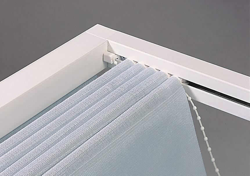 Baldachýn je v podstatě látková roleta v provedení horizontálním i vertikálním