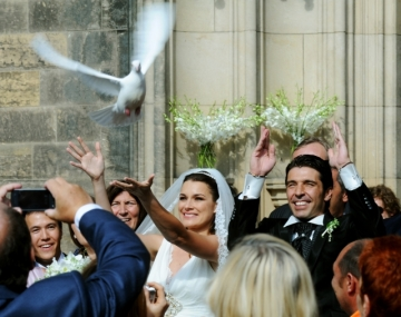 Alena Šeredová wedding doves release