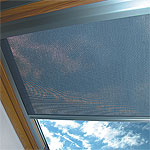 Látková roleta na střešní okno