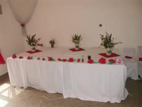 Stůl na svatební dary