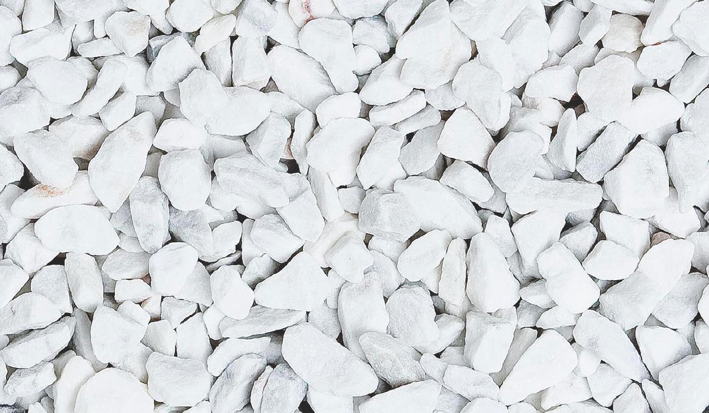 mramor bílý drcený