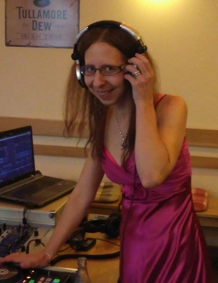 Lucia Nevedelová - DJ Šamronka