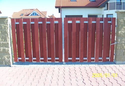 dům a zahrada - dřevěné ploty a vrata