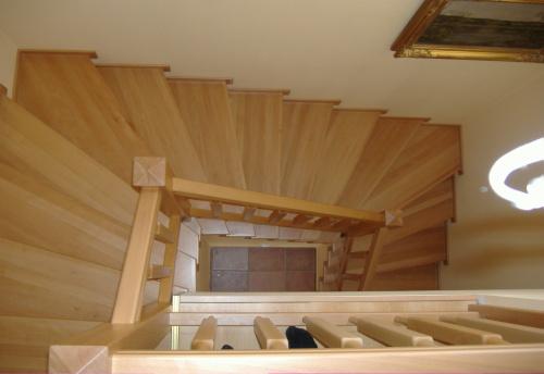 dřevěná schodiště na zakázku