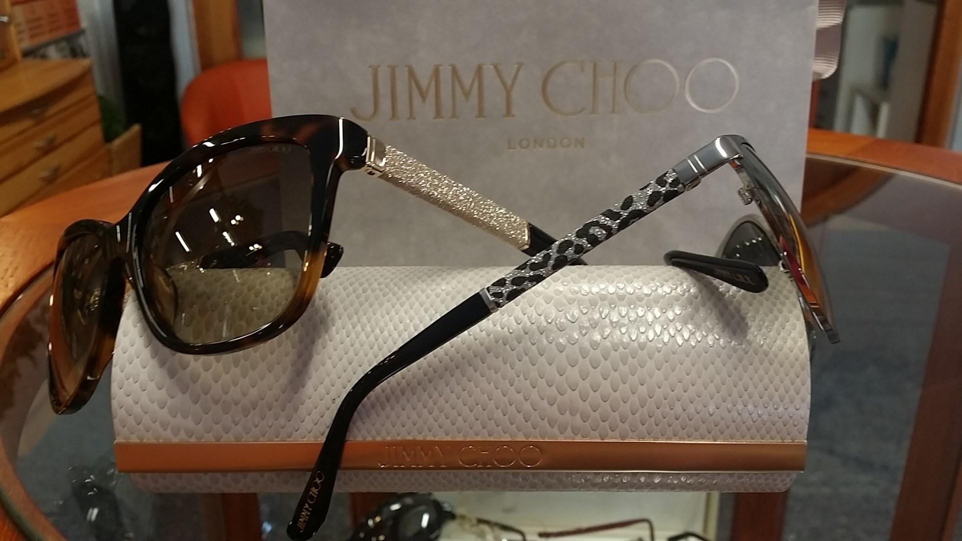 Sluneční brýle od anglického modního návrháře JIMMY CHOO